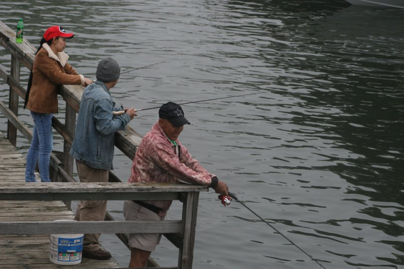Walleye weekend draws record number of anglers no tagged for Fishing in iowa